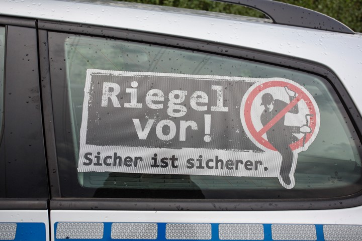 Die  Kreispolizei Unna beantwortet am Wochenende Fragen zum Thema Einbruchschutz per Facebook oder Telefon. (Foto: P. Gräber - Emscherblog)