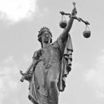 Angeklagter erschien nicht vor Gericht: 800 Euro Geldstrafe wegen Körperverletzung