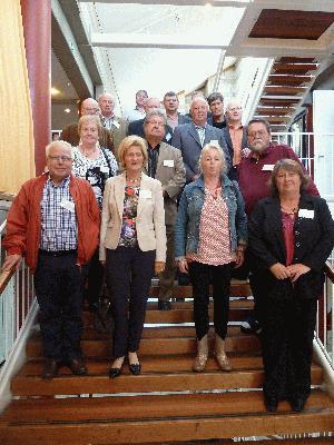 Die neue Kreisseniorenkonferenz beim Kreisseniorentag in der Stadthalle Unna. Hildegard Busemann ist die Delegierte aus Holzwickede.  (Foto: Kreis Unna - J. Sowik)