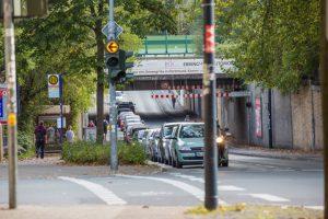Die Bahnunterführung an der Nordstraße verhindert den Lkw.Durchgangsverkehr auf der L 677 nach Ansicht des Straßenverkehrsamtes. (Foto: Peter Gräber)