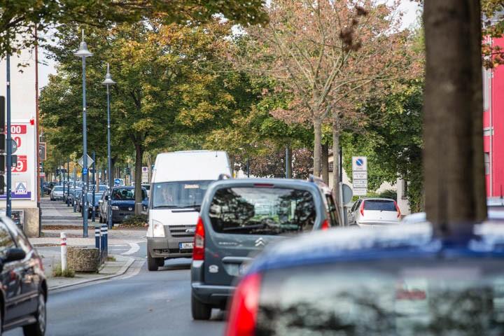 Der Verkehrsausschuss fordert ein generelles Fahrverbot für Lkw auf der Nordstraße. (Foto: Peter Gräber)