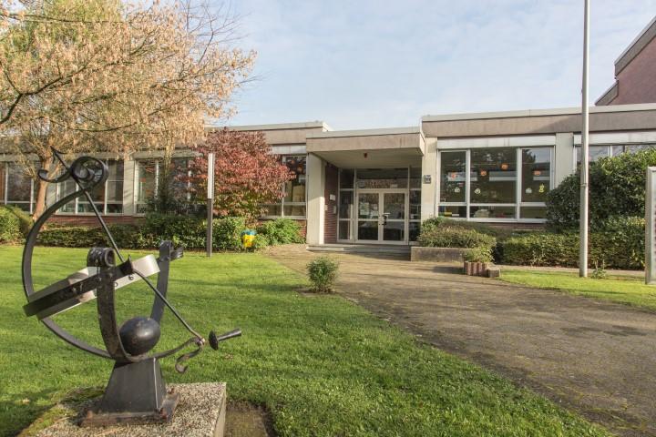 Die Namensgebung der traditionsreichen Nordschule wird derzeit öffentlich heiß diskutiert. Friedhelm Klemp, Ratsherr der Grünen, sieht allerdings andere Gründe als den Nam,en für die geringen Anmeldezahlen. (Foto: P. Gräber - Emscherblog)