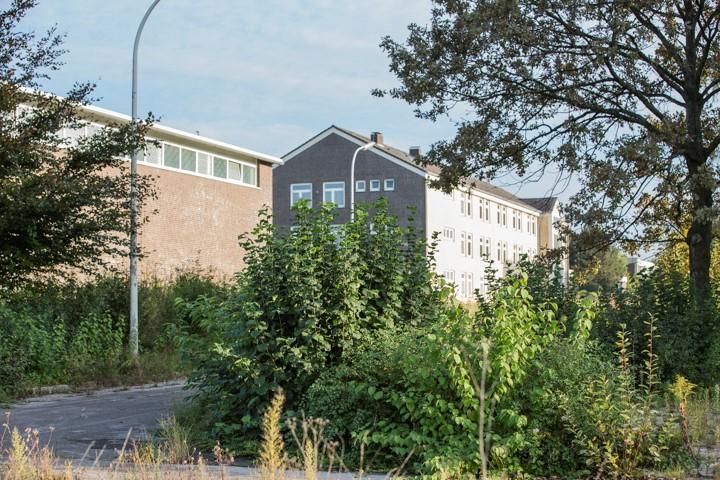Zwei Investoren haben ihr Interesse bekundet, das Gelände aufzukaufen und baureif zu machen: ehemalige Unterkünfte der Emscherkaserne. (Foto: peter Gräbner)