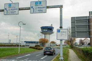 Die Parkplätze am Flughafen Dortmund können bald auch online von den Reisenden gebucht werden.  (Foto: Peter Gräber)