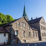 Denkmalwerte Bruchsteinhäuser belasten Kirchengemeinde in Opherdicke weiter