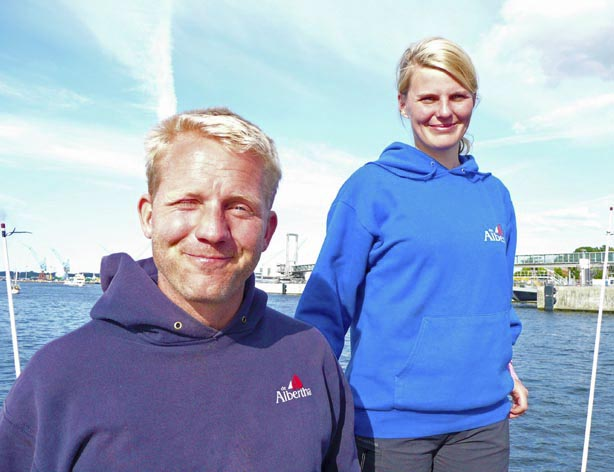Starten in ihre letzte Saison auf der DeAlbertha:  Arne Schulte-Altedorneburg und Sabrina. (Foto: privat)