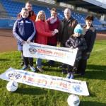 Freude beim HSV-Jugend-Förderverein: Silvesterwanderer spenden für Fußballnachwuchs