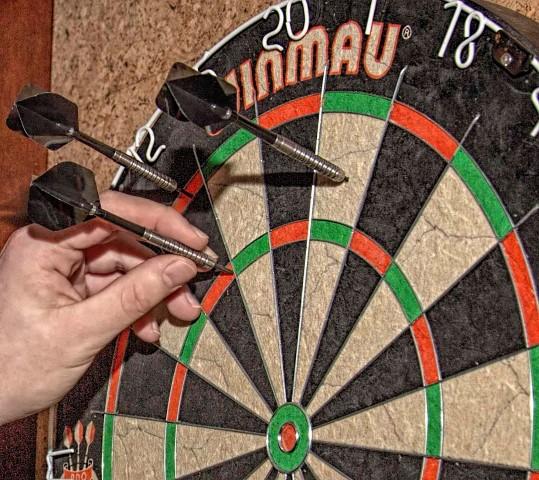 Der Dart-Sport boomt und erzielt sogar gute Einschaltquoten im Fernsehen., Der 1. Dart Club Holzwickede ist nun in den Ortsverband für Sport aufgenommen worden. (Foto: P. Gräber - Emscherblog.de)