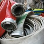 Hydrant bei Verkehrsunfall beschädigt: Wasser strömte aus