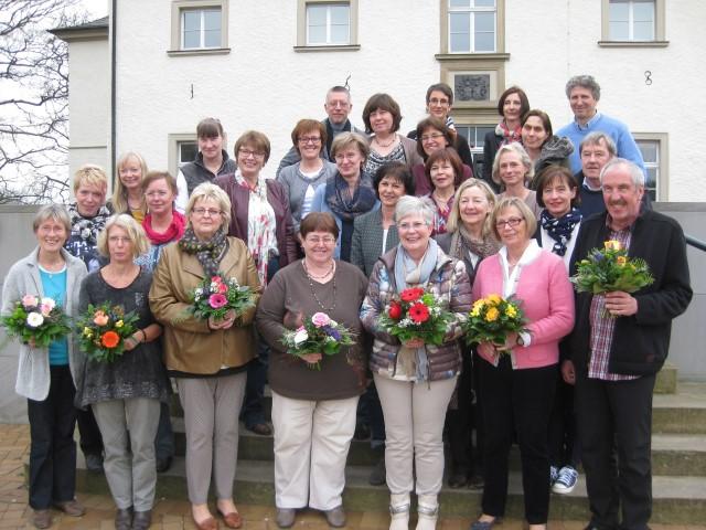 Das Schulamt und der Personalrat ehrten am Donnerstag auf Haus Opherdicke fast 30 langjährig  tätige Grundschullehrerinnen und -lehrer.  (Foto: privat)