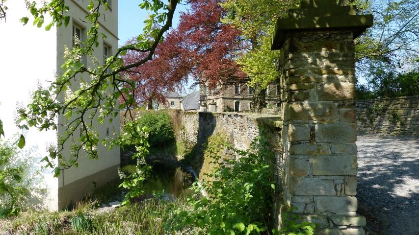 Opherdicke Natursteinmauer