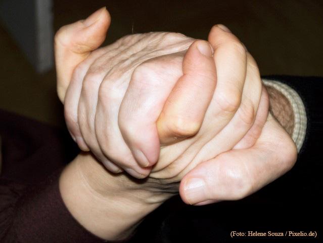 Die Diagnose Demenz verunsichert Betroffene und Angehörige gleichermaßen. Die Gemeinde bietet jetzt eine Informationsveranstaltung zum Thema an. (Foto: Helene-Souza_pixelio.de)