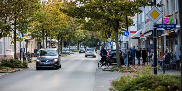 Nur maximal die Hälfte aller Händler an der Haupstraße  sind noch Mitglied im Aktivkreis Holzwickede. (Foto: Peter Gräber)