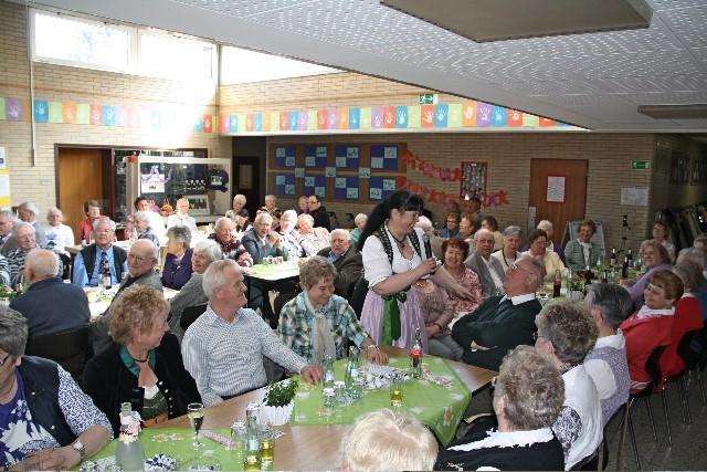 Bei der Soinntagsöffnung der Seniorenbegegnungsstätte war das Foyer der Nordschule wieder gut gefüllt. (Foto: ptrivat)