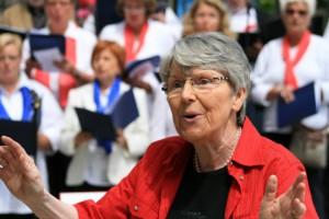 Hat bereits eine Vorauswahl der Lieder für das gemeinsame Konzert getroffen: Chorleiterin Uta Böhm. (Foto: privat)