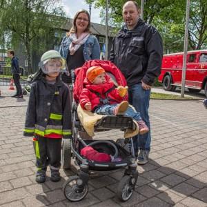 Besonders viele junge Familien schauten tagsüber am Gerätehaus an der Bahnhofstraße vorbei.  (Foto: Peter Gräber)