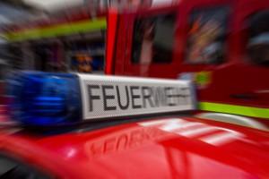 Gefahrenstoff ausgetreten: Feuerwehreinsatz in der Hauptstraße