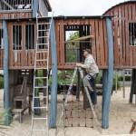 Splintholzkäfer als Spielverderber: Zechenturm-Spielgerät an der Villa gesperrt