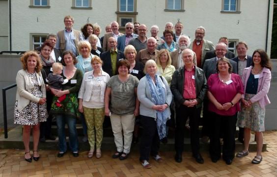 Kreistagsmitglieder und Vertreter der Psycho-Sozialen Arbeitsgemeinschaften trafen sich zu einem fachlichen Austausch auf Haus Opherdicke. (Foto: Kreis Unna)
