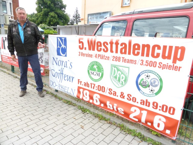 Michael Tracz (l.) ist Initiator und setzt sich vehement für den Erfolg des 5. Westfalencups mit Jugendspielen in Holzwickede, Massen und Dortmund-Sölde ein. (Foto: privat)
