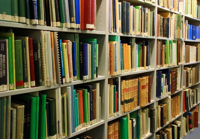 Die Gedmeindebücherei und ihre Neuaisrichtung wurden heute im Fachausschuss beraten. Die Gemeiudne strebt weiter eine interkommunale Zusammenarbeit mit der Stadt Unna (zib) an. (Foto: Rosel Eckstein/pixelio.de)