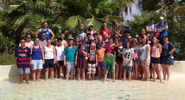 36 Kinder und Jugendliche verbrachten zwei aufregende Wochen an der Costa Brava. Bereits seit 17 Jahren besuchen die Gruppen des Kreises Unna denselben Campingplatz. Foto: Kreis Unna
