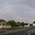 Regenbogen über dem Kreisel in Hengsen