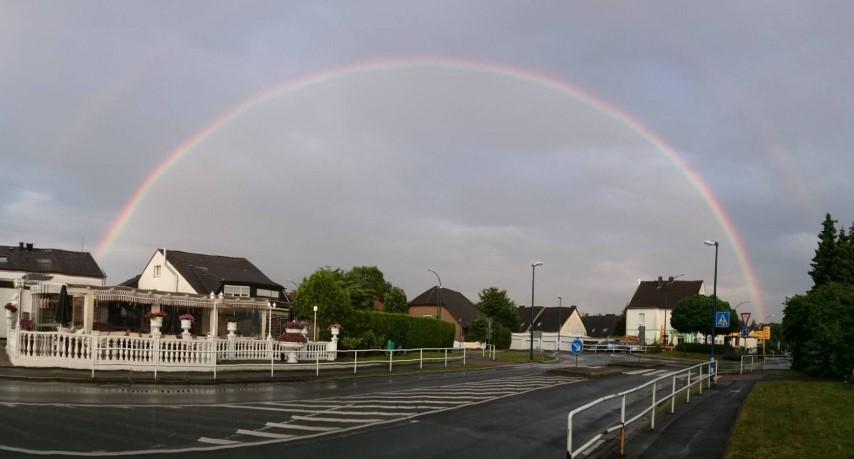 die Regenbogenbilder hab ich gestern abend in Hengsen machen können. Foto: Andreas Heidemann.