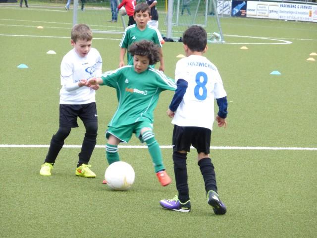 Die Minikicker des HSC freuen sich auf neue Mitspielerinnen und Mitspieler. (Foto: privat)