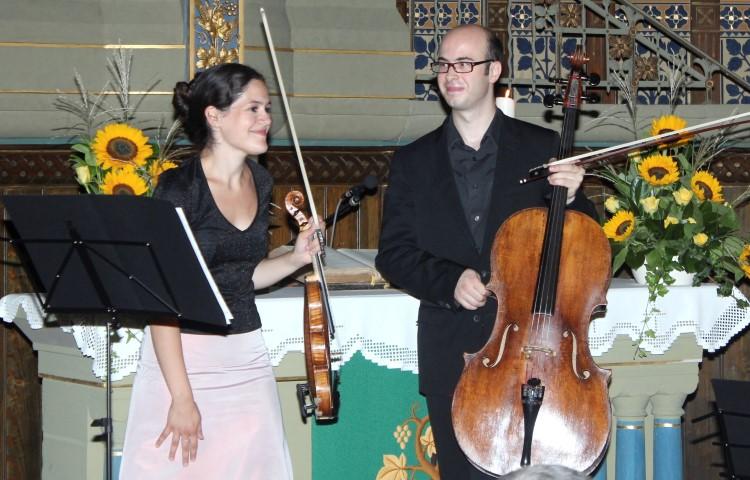 Marie-Claudine Papadopoulos  und Alexancdre Vay gastieren am 7. August in der ev. Kirche Opherdicke. (Foto:  Kirchenkreis Unna)