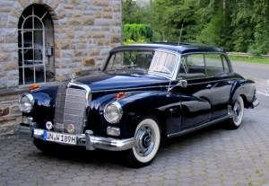 """Zu den """"jüngeren"""", aber durchaus seltenen Oldtimern gehört dieser  """"Adenauer-Benz"""",ein Mercedes MB,  Bj., 1962. (Foto: MSC Holzwickede)"""