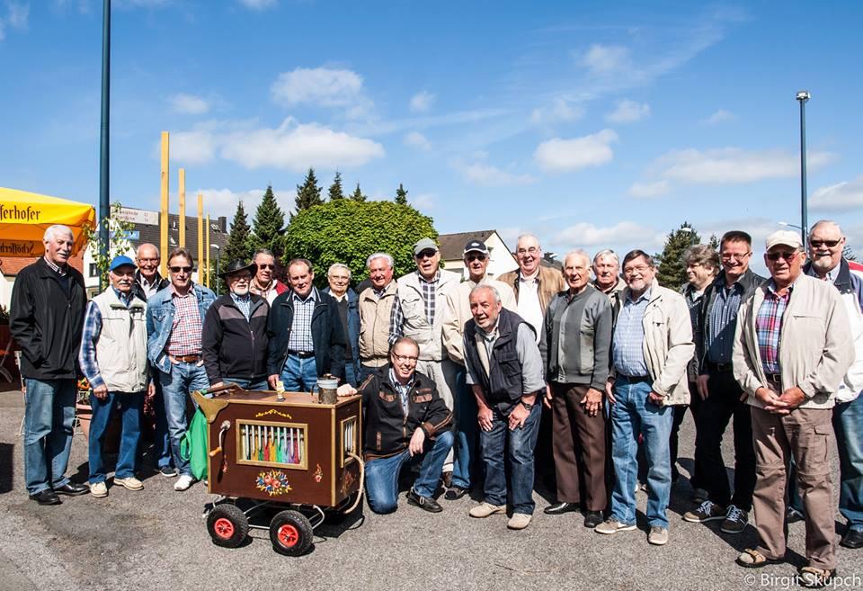 Die Sänger des MGV Eintracht Hengsen  haben das 1. Haarstrangfest organistert.  (Foto: privat)