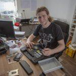 Handy- und PC-Werkstatt: Jungunternehmer schließt Angebotslücke in Holzwickede