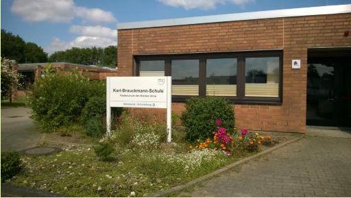 Die Kreistagsfraktion der SPD will die über zehn Mio. Euro teure Erweiterungs- und Sanierungsmaßnahme zügig beginnen: die Karl-Brauckmann-Schule in Holzwickede. (Foto: Kreis Unna)