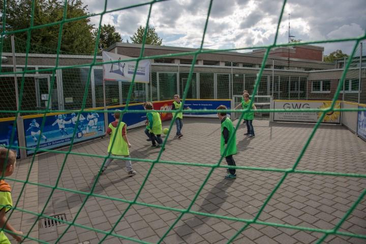 Der Treffpunkt Villa lädt in seinem aktuellen Jugendprogramm auch wieder zu einem Streetsoccer-Turnier in Kooperation mit der Josef-Reding-Schule ein. (Foto: P. Gräber - Emscherblog.de)