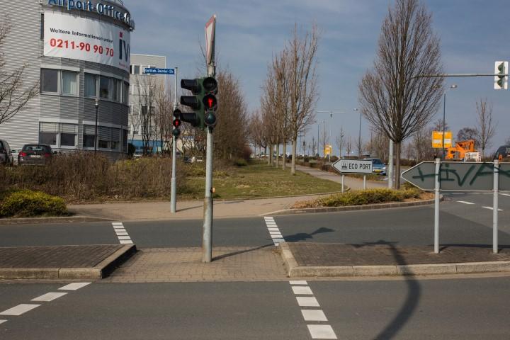 Die Gemeinde favorisiert eine direkte Einfahrt des Busses von der Nordstraße in die Gottlieb.Daimler-Straße - ohne Umweg über die Chaussee. (Foto: P. Gräber - Emscherblog.de)