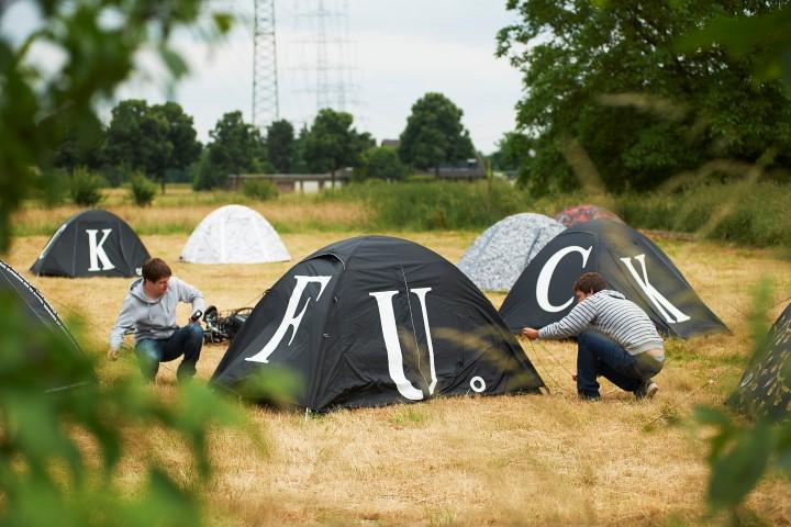 Auf dem Zeltplatz des chinesischen Künstlers Ai Weiwei werden Besucher im Rahmen der Emscherkunst 2016 am Emscherquellhof in Zelten übernachten können. (Foto: Emschergenossenschaft) Roman Mensing, Emscherkunst9