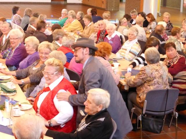 Großartig war die Stimmung beim HSC-Kaffeeklatsch im Forum des Schulzentrums. (Foto: HSC)
