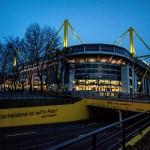 Entscheidend ist auf'm Platz: BVB-Fan nackt beim Training im Stadion erwischt