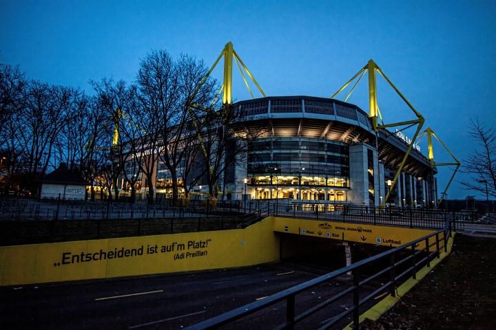 Entscheidend ist auf'm Platz, mag sich auch der BVB-Fan gedacht haben, der jetzt nackt beim Training im Stadion erwischt wurde. (Foto: Peter Gräber)