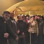 CDU grillt im Advent und spendet 300 Euro für Flüchtlinge