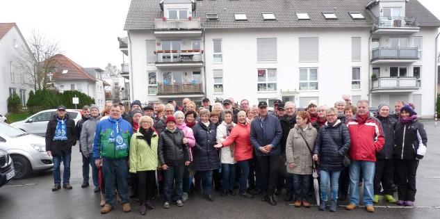 Gut gelaunt machten sich die HSCer vom Montanhydraulik-Stadion aus auf ihre Silvesterwanderung zum Hof Riedel in Hengsen. Foto: privat)