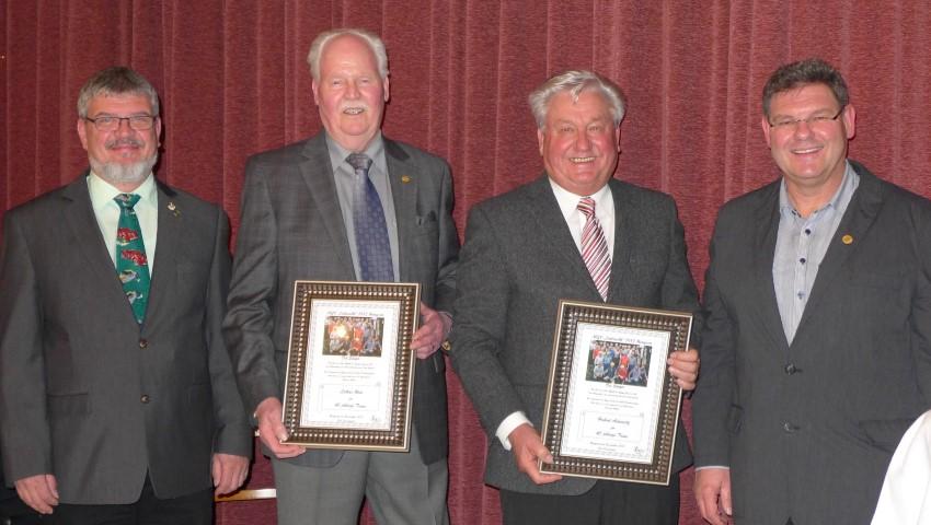 Von links: Michael Neufeld, 2. Vorsitzende Lothar Reis Ehrung für 60 Jahre Vereinstreue Hubert Adamietz Ehrung für 40 Jahre Vereinstreue Ralf Stockhaus, 1. Vorsitzende