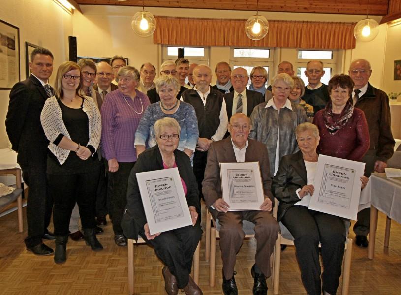 Der Trägerverein der Senioren-Begegnungsstätte ehrte seine langjährigen Mitglieder. (Foto: privat)