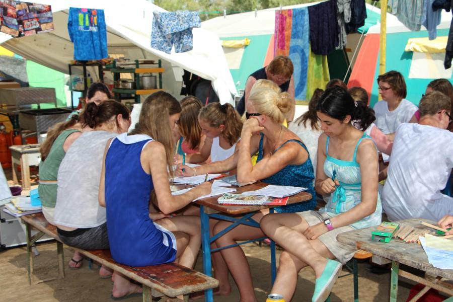 Da macht Lernen doch gleich mehr Spaß: Die AWO lädt im Sommer Jugendliche zu einer LÖertnfreizeit an der Costa Brava ein. (Foto: privat)