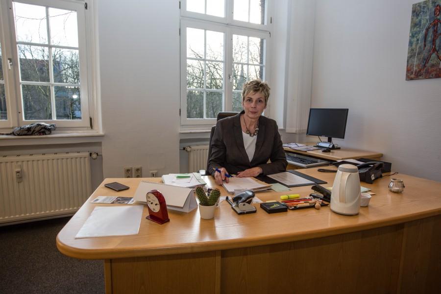 Bürgermeisterin Ulrike Drossel an ihrem Arbeitsplatz bim Rathaus. (Foto: Peter Gräber)