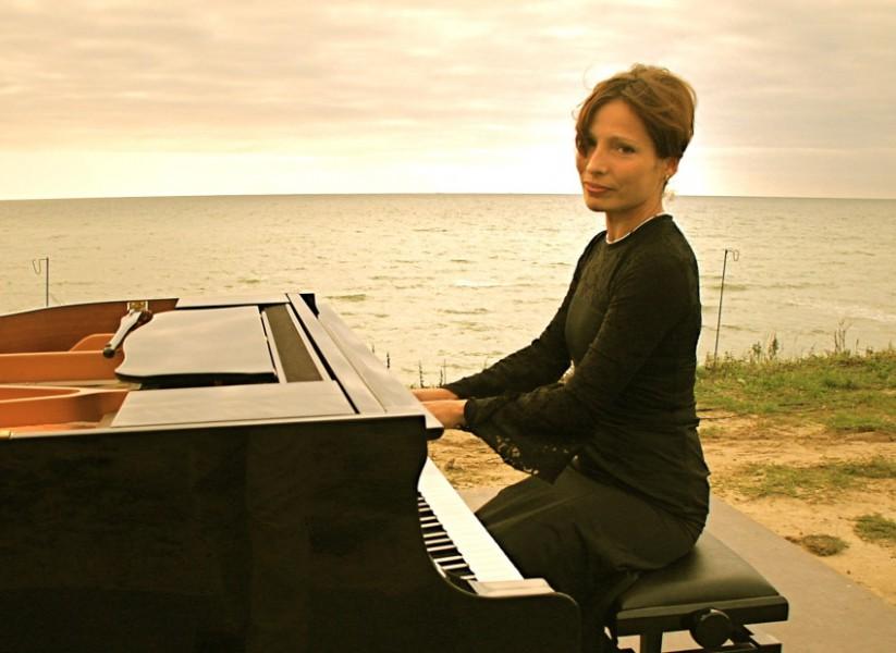 Gastiert im Spiegelsaal: die Pianistin Ulrike Mai. (Foto: Freundeskreis)