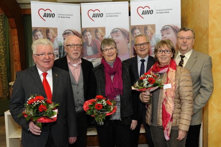 Foto (v.l.n.r.): Wilfried Bartmann (Unterbezirksvorsitzender, Unna), Wolfram Kuschke (stellv. Unterbezirksvorsitzender, Lünen), Karin Schäfer (Kreisverbandsvorsitzende, Bergkamen), Detlef Garus (stellv. Kreisverbandsvorsitzender, Schwerte), Vera Kestermann-Kuschke (stellv. Kreisverbandsvorsitzende, Lünen), Wolfgang Rickert (stellv. Kreisverbandsvorsitzender Unna)