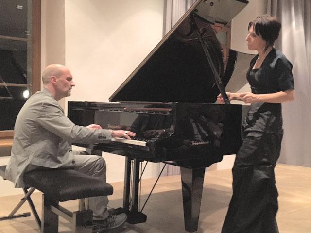 Berührende Musik: Ulrike Mai und Lutz Gerlach bei ihrem Konzert im Spiegelsaal. (Foto: Privat)