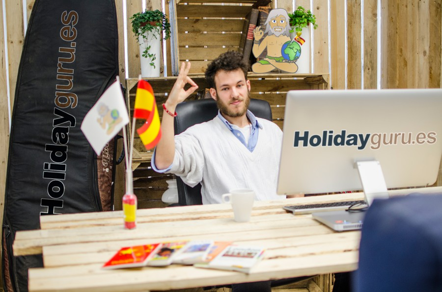 Multikulti in einer Person: John ist Blogger bei Holidayguru Spanien und hat familiäre Wurzeln in Großbritannien und Deutschland.. (Foto: UNIQ)